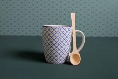Маленькая деревянная ложечка ручной работы