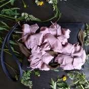 Сумочка с цветами гладиолуса из натуральной кожи