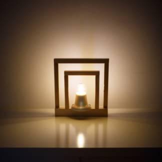 Светильник настольный (натуральный цвет дерева)