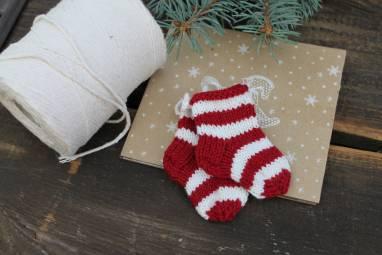 носочки вязанные, игрушка на елку, сувенир ручной работы