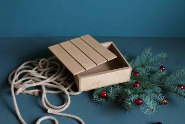 Деревянная коробочка для подарка ручной работы