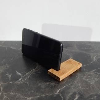 Подставка для телефона из дуба