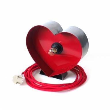 Светильник из металла в форме сердца  ручной работы