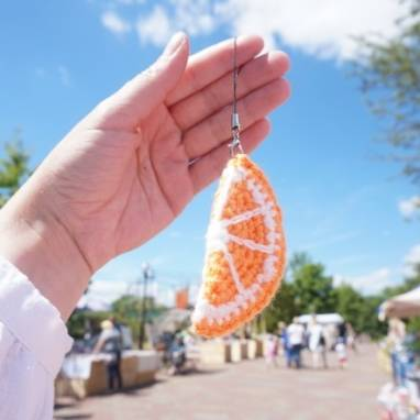 брелок вязанный апельсинка ручной работы