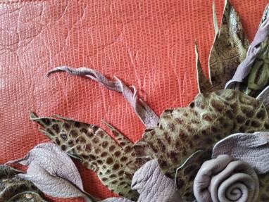 Сумка с фантазийным цветком из натуральной кожи ручной работы