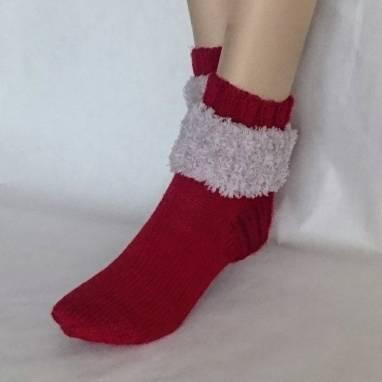 """Носки -домашняя обувь """" Малина """" ручной работы"""