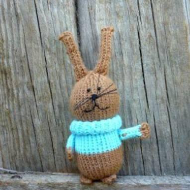 Усатый зайчик в голубом свитере ручной работы