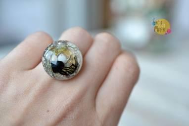 Кольцо из стекла с медузой. ручной работы