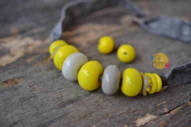 Лимонные бусы из стекла. ручной работы