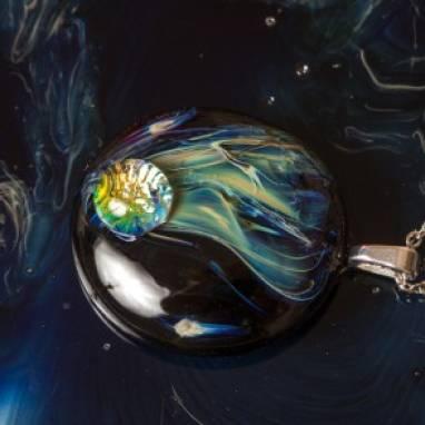 """Кулон из стекла """"Комета"""" ручной работы"""