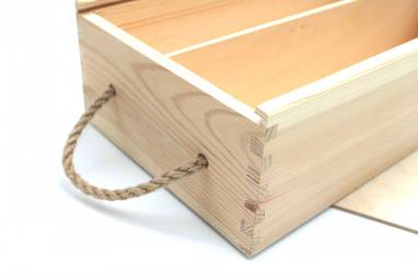 Деревянная коробка для  вина (глинтвейна) ручной работы