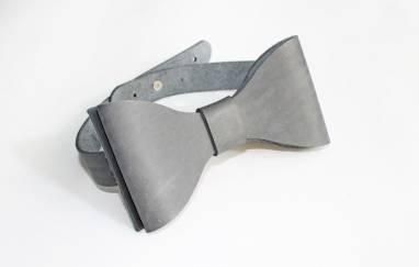 Галстук-бабочка кожаная (grey) ручной работы
