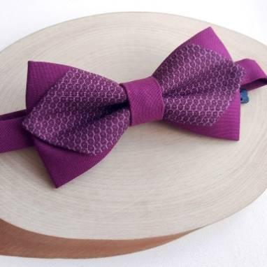 Фиолетовая мужкая бабочка с рисунком ручной работы
