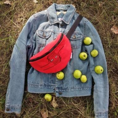 Поясная сумка с вышивкой ручной работы