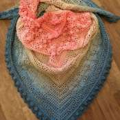 Вязаный платок (бактус)