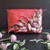 Сумка с фантазийным цветком из натуральной кожи