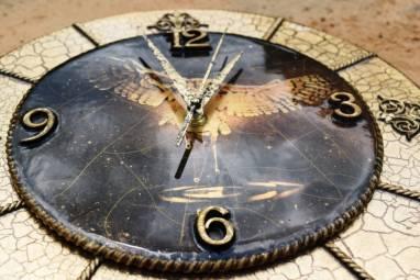 Часы настенные в технике декупаж ручной работы