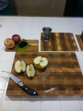 Комплект досок для кухни: 1 большая разделочная торцевая и 2 средние разделочно-сервировочные ручной работы