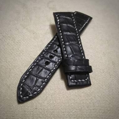 Ремешок из кожи крокодила  ручной работы