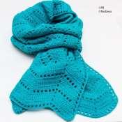Бирюзовый шарф, связанный крючком