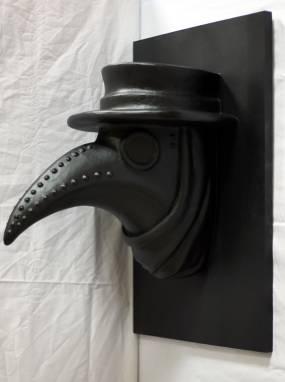 Скульптура чумной доктор ручной работы