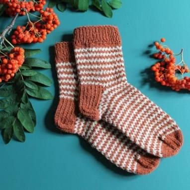 Теплые шерстяные носки  ручной работы