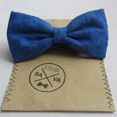 Галстук-бабочка в синем цвете ручной работы