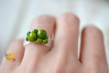 Кольцо из стекла . Зеленое. ручной работы