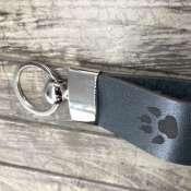 Брелок для ключей из натуральной кожи  -  Лапа