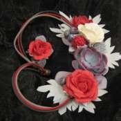 Монохромное украшение в серо-красном цвете