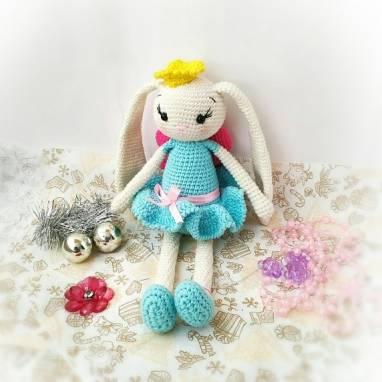 Игрушка Зайка принцесса ручной работы