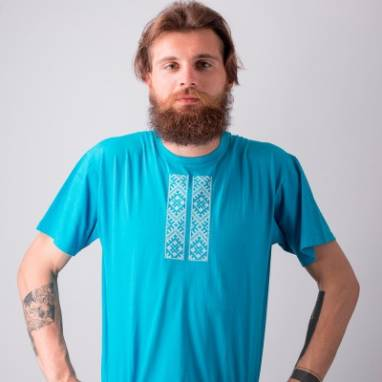 """Мужская футболка вышиванка """"Зорка"""" ручной работы"""