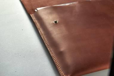 Папка-чехол для ноутбука коричневая ручной работы