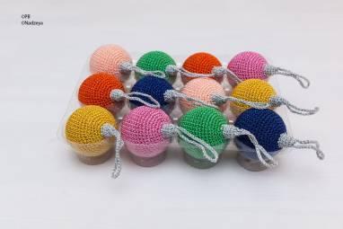 Ёлочный шарик 4 см, розовый ручной работы