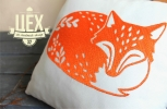 Авторская подушка с вышитой лисой