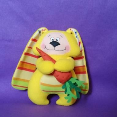 Мягкая игрушка-сплюшка  Солнечный зайчик ручной работы