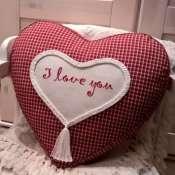 декоративная  подушка  с  ручной  вышивкой   для подарка от дизайнера
