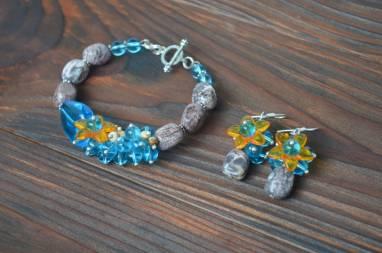 Комплект украшений: браслет и серьги с камнями ручной работы