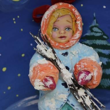 Игрушка новогодняя  из ваты. Девочка с хворостом ручной работы