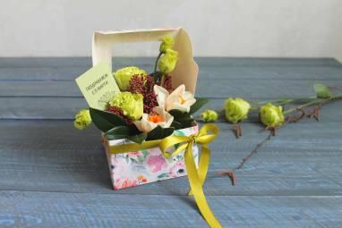 Подарок девушке на 8 марта  ручной работы