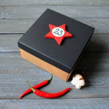 Подарочная коробка к 23 февраля ручной работы