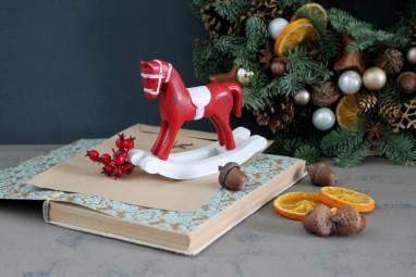 Классический новогодний венок ручной работы