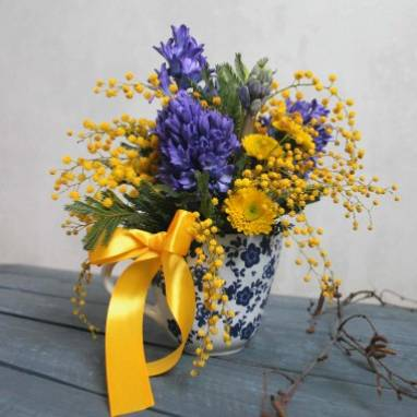 Недорогие цветы на 8 марта ручной работы