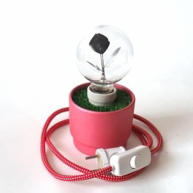 Красный горшочек с цветком ручной работы