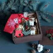 Подарок новогодний в деревянной коробке