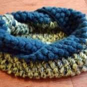 Теплый цветной шарф-снуд