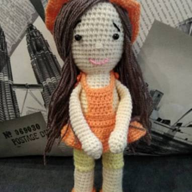Вязаная кукла Мандаринка ручной работы