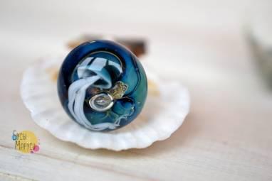 Кольцо лэмпворк из стекла с медузой. ручной работы