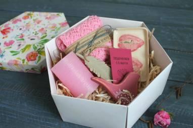 Подарок женщинам на 8 марта ручной работы