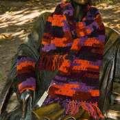 Яркий шарф и митенки